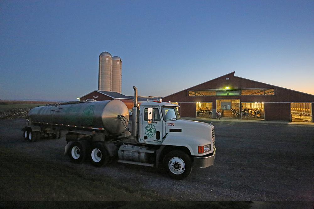 clover farms dairy milk truck